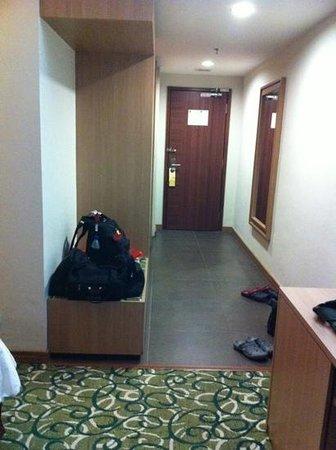 Hotel Aifa Labuan: room entrance