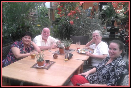 Origins Cafe at Carefree Gardens : Wonderful company, wonderful place~