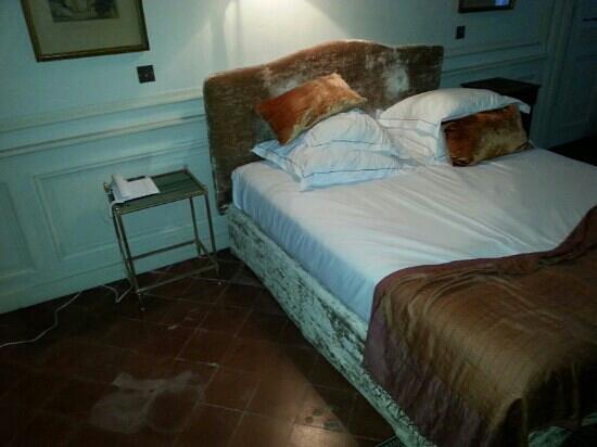 """Chateau de Roussan: chambre """"Diane"""""""