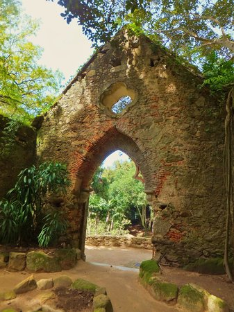 Parque de Monserrate: What remains of the Chapels entrance from a day gone by