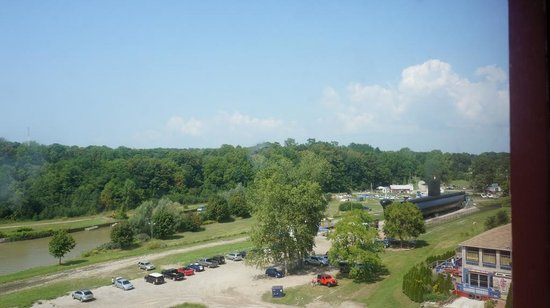 Port Burwell Marine Museum & Historic Lighthouse : View from top of Lighthouse facing north