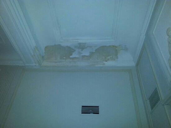 """Chateau de Roussan : La chambre """"Diane"""".250 € la nuit"""