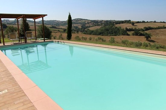 Quercia Rossa Farmhouse : the view from pool area