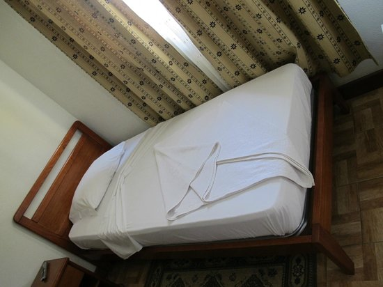 Hotel Agosto Neto: Cama