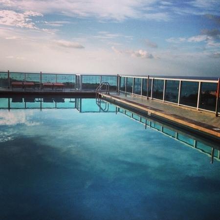 Sonesta Coconut Grove Miami: poolside