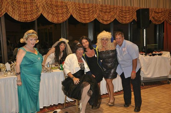 Villa Roma Resort and Conference Center: Dinner Theater