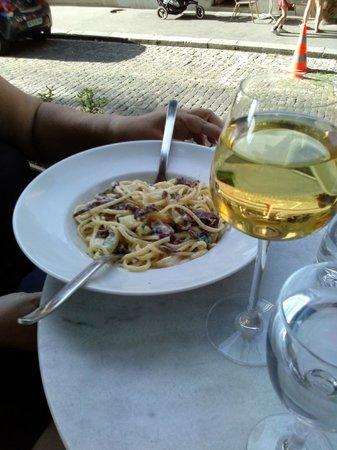 Le Resto du Roy: pates et vin