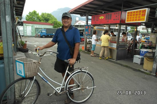 Beauty Inn: Free bikes for guests to use - at food street