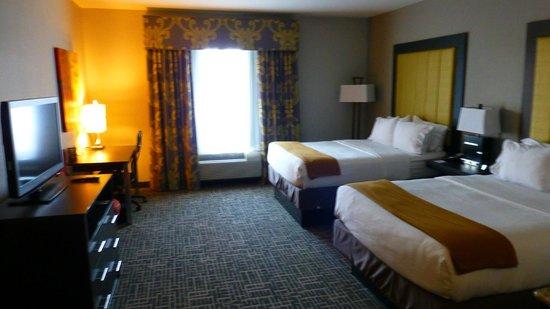 Holiday Inn Express & Suites Gonzales: großzügige Zimmer-Suiten