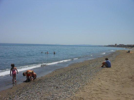 MacDonald Villacana Resort: Estepona beach looking to Gibraltar