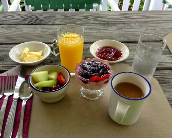 Lindenwood Inn : Breakfast 1st course