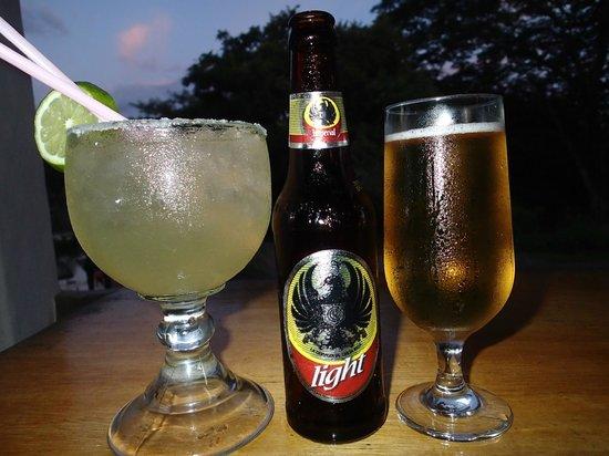 Marie's Restaurant: Great drinks!