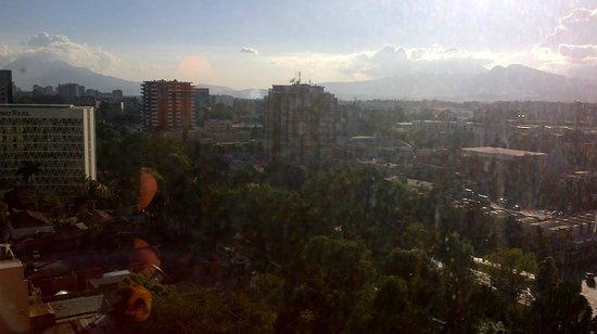 Radisson Hotel & Suites Guatemala City: A cidade de Guatemala