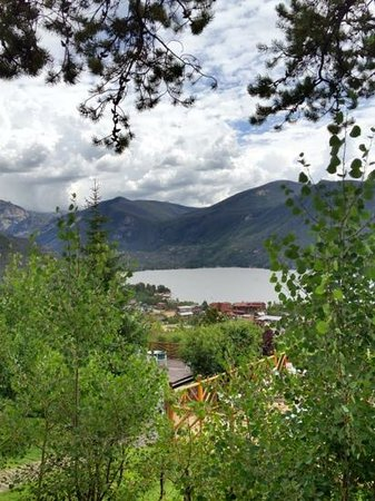 Grand Lake Lodge : Another view from porch