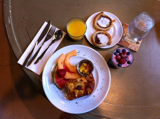 Della Terra Mountain Chateau: Breakfast the next day