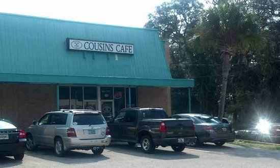 Green Cove Springs, FL: Exterior isn't much but food is GREAT.