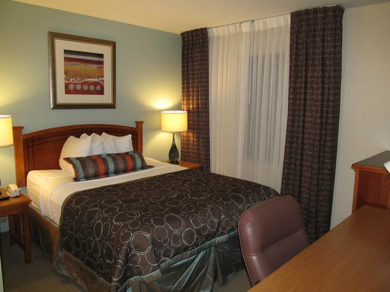 Staybridge Suites Atlanta - Perimeter Center East: 2BDRM- Second bedroom in suite