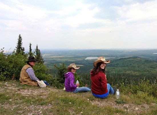 Mountain Meadow Trail Rides: Lunch Break