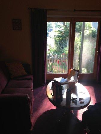Holland Inn: Sitting Area - Pretty Marsh
