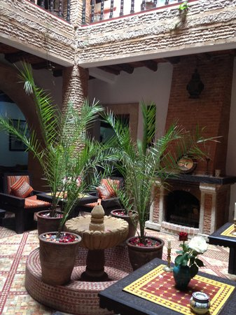 Maison du Sud : one of the dining areas