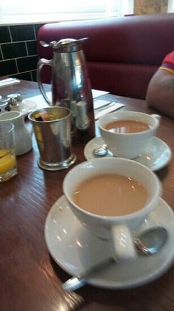 The Bank Bar and Brasserie: Tea for two!