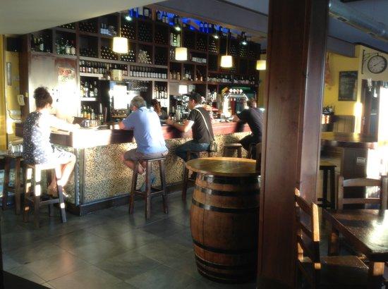 Bocanegra Artesanal Beer Restaurant: Barra