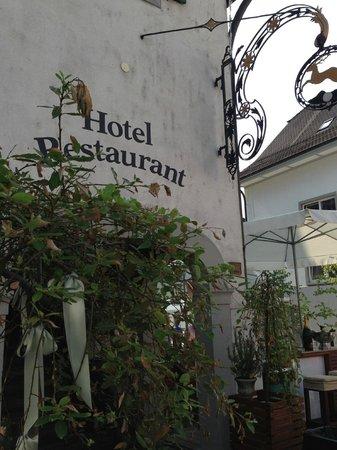 Hotel Zum Hirschen : Main entrance