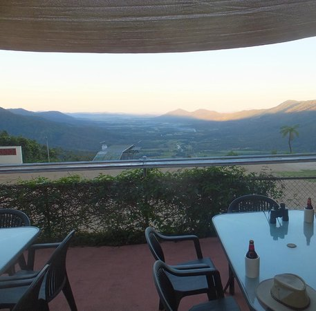 Eungella Chalet: view from the bar in the chalet