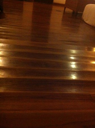 The Akasha Villas : Horrible floors