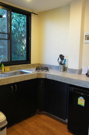 Koh Tao Heights Exclusive Apartments: Kitchen