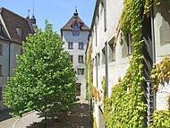 hotel brasserie au violon : View of the prison tower
