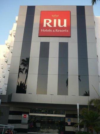 Hotel Riu Don Miguel: Entrada del hotel