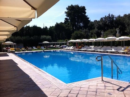 Parco dei Principi Grand Hotel & SPA: la belle piscine extérieure