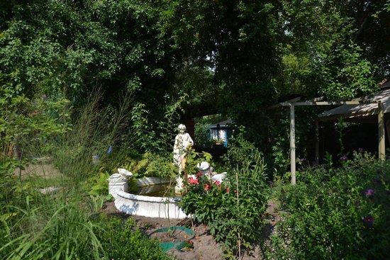 Apartmenthaus Potsdam-Quartett: Garten