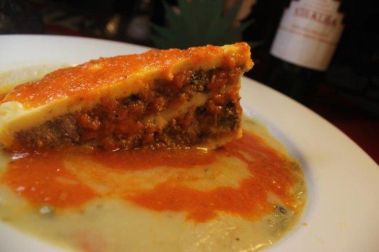 ¡Queso Relleno! Con un caldo hecho de harina y caldo de pollo con queso holandés relleno de carn