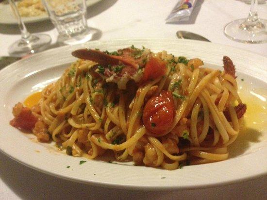 Terrazza Metropole : Lobster hidden amongst flat spaghetti and cherry tomatoes
