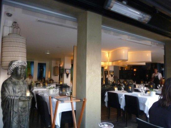 Pascal's Kitchen : Intérieur vu depuis la terrasse