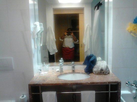 VIP Executive Villa Rica Hotel: Salle de bains