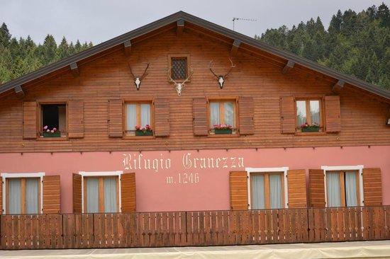 Rifugio granezza asiago restaurant reviews phone for Family hotel asiago