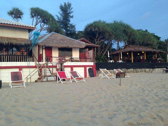 Round House: Blick vom Strand aufs Beach House