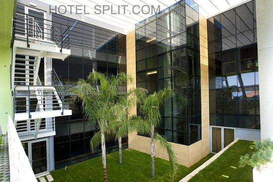Hotel Split : Hotel grounds