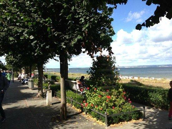 Strandhotel Binz: Hübsche Promenade