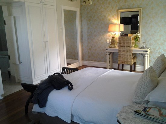 Admiralty Beach Guest House: the bedroom