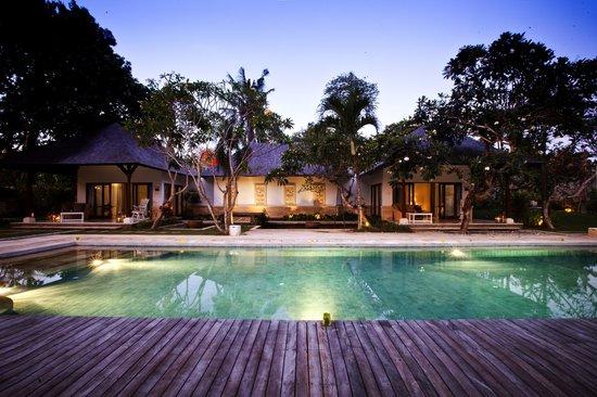 Avillion Villa Cinta : A romantic scene of Villa Cinta