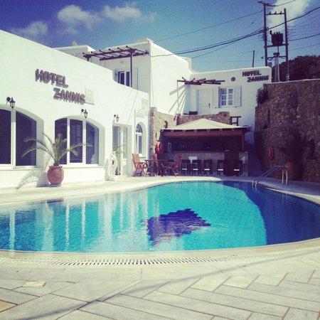 Hotel Zannis: Piscine de l'hôtel