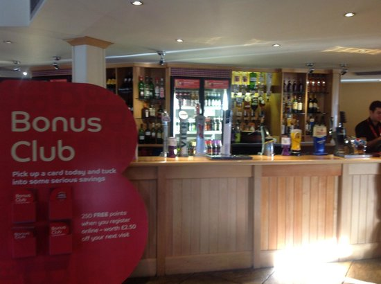 Brewers Fayre Aire & Calder: The bar