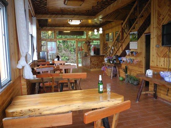 Baike Hotel : lobby and restaurant