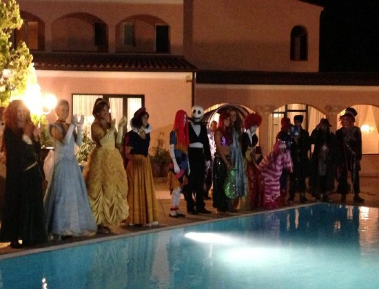 Il Magnifico Elba Resort : Sfilata di costumi da carnevale durante la cena!!!