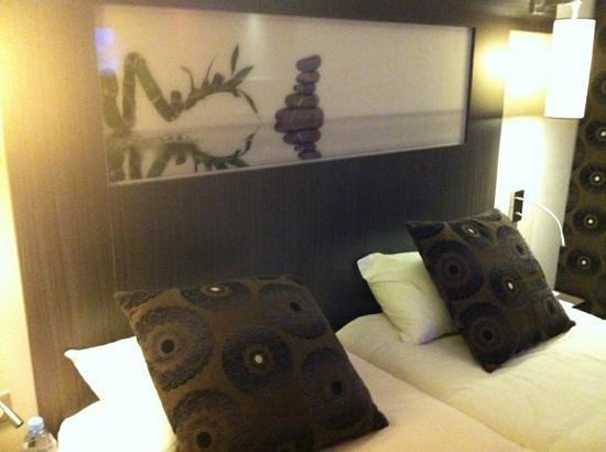 Ibis Styles Antibes: Chamre