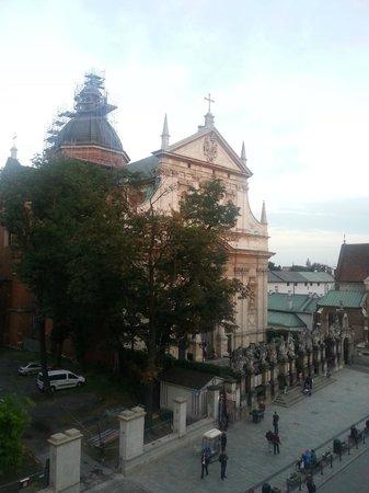 Senacki Hotel: Vista dalla 301 - Chiesa di San Pietro e Paolo